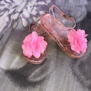 Stepping stones pink glittery sandals with flower